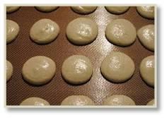 macarons, French macarons, baking macarons