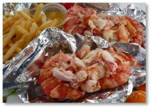 Lobster Rolls, Red's Eats, Wiscasset, Maine, travel bug