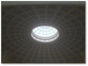 You can go up to the ninth floor's Forester Rotunda and Grand Observatory to look down on the domed skylight and, through it, to the plaza below. Above you arcs the 80-foot coffered dome topped by a glass cupola that lights the rooms. Take the short stairs up to the dining area for an even better view of the city on one side and the harbor on the other.