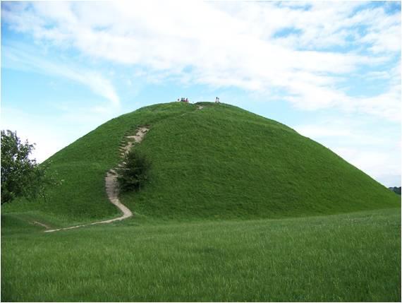 Green mound, mound builders, elf hill