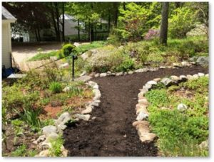 First Parish of Sudbury, Memorial Garden, mulched path