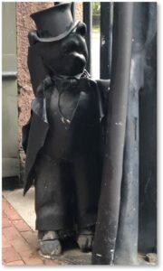 Boylston Place, Tavern Club, Bear totem